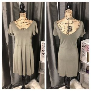 NWOT Short Sleeve A Line Dress V Neck with T-Back